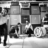 Mick Jagger, Josh Homme és Billy Corgan összekeverve – a Sons of Anarchy segédmotorsa Budapesten lép fel