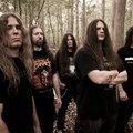 Látjátok, ilyen könnyű Cannibal Corpse-ot dobolni!