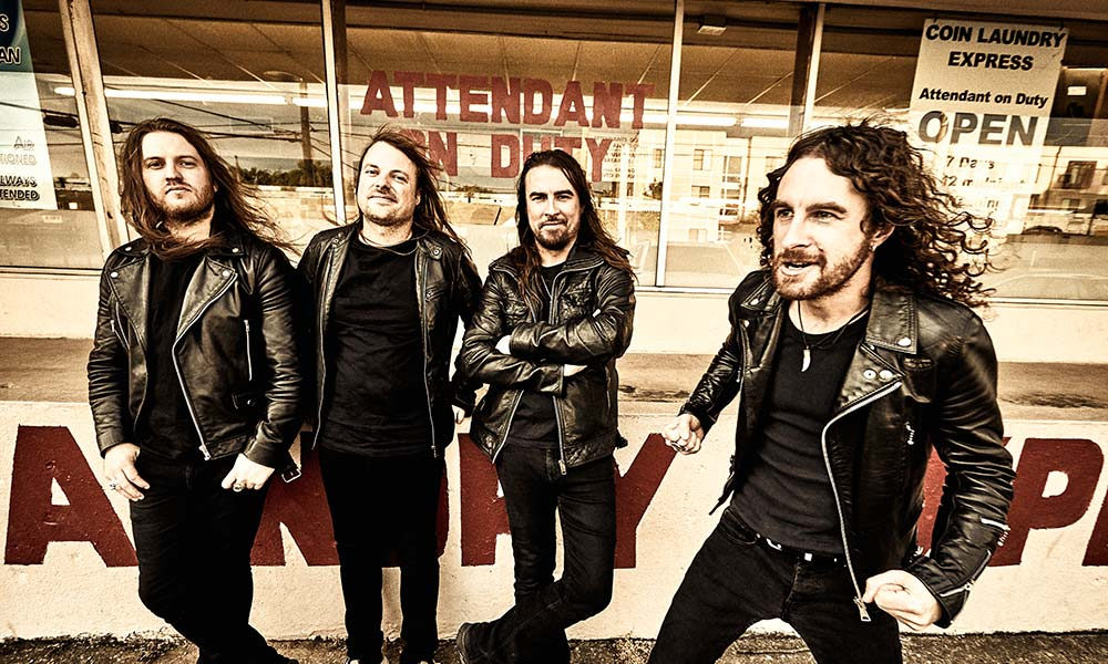 airbourne-2019-press-shot-credit-travis-shinn.jpg