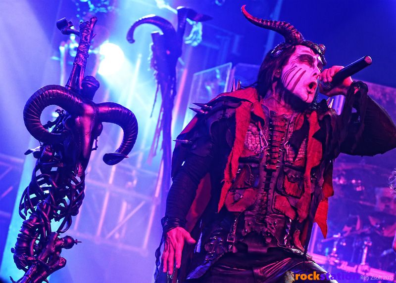 0cradleoffilth2015_11.jpg