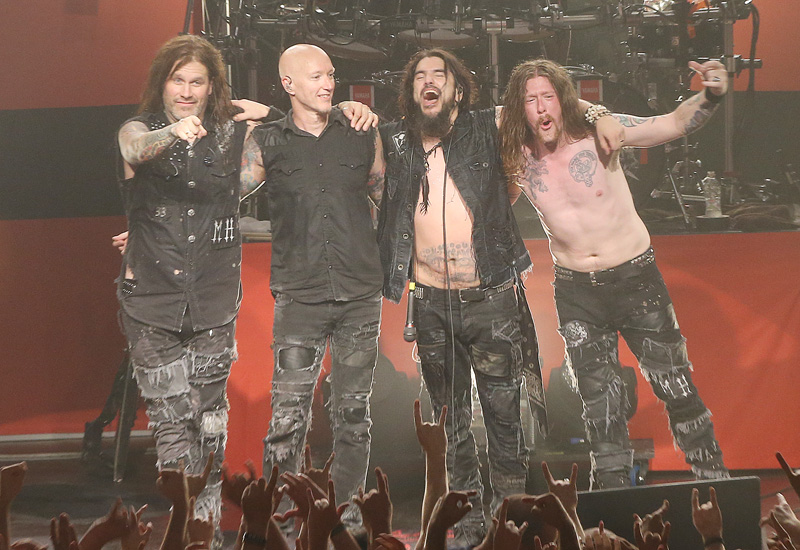 0machinehead2015_16.jpg