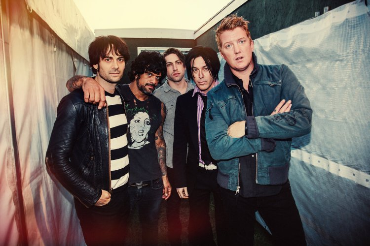 queens_of_the_stone_age_01.jpg