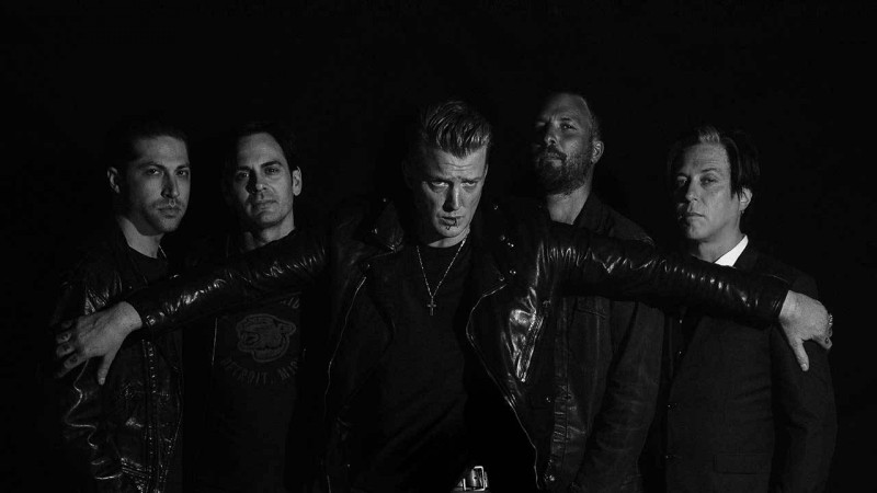 queens_of_the_stone_age_2017.jpg
