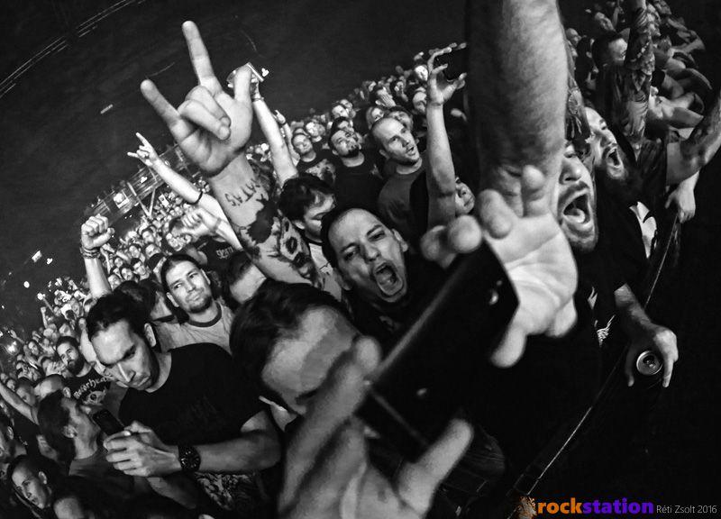Kolléga az őrület határán Max és Igor Cavalera koncertjén