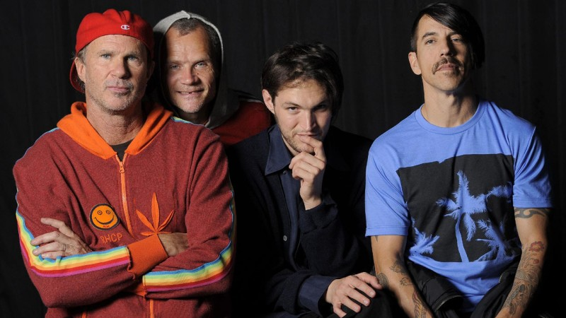 red_hot_chili_peppers_2016.jpg