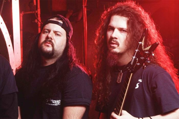 Dimebag Darrell és Vinnie Paul Abbott (Pantera, Damageplan)<br /><br />Az Abbott tesók a '90-es egyik legnevesebb metalos tesói közé tartoznak, talán mondanunk sem kell, hogy a Panterával miket értek el. A korai szárnypróbálgatások után, Anselmo képbe kerülésével rakétaként húztak fel a metalzene egére, melynek következtében még Dimebag halála után több, mint 12 évvel is az egyik legfényesebb állócsillagaként tekintünk a Panterára.