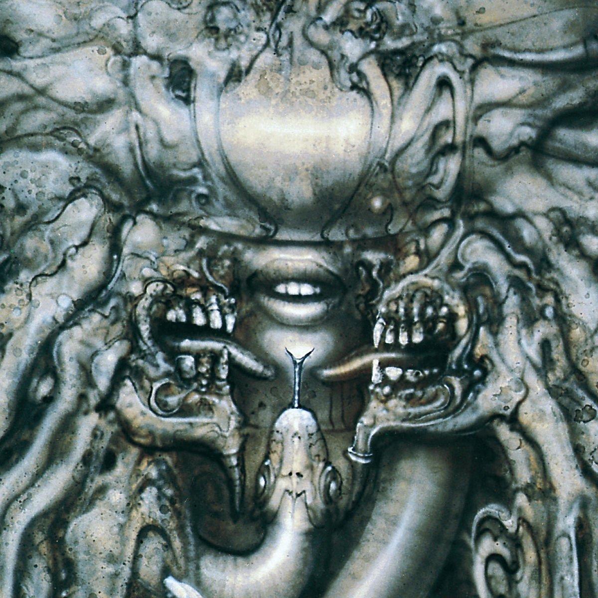 Danzig - Danzig III: How the Gods Kill<br /><br />Danzig mester addigi legerősebb korongja, amely talán nem meglepő, a harmadik volt a sorban, anyagi tekintetben is az énekes szólókarrierjének csúcsát jelentette. Na, lehet, hogy a doom és gótikus vonal bevonása is sokat emelt a fényén, de az biztos, hogy még így, negyed század elteltével is egy frankó anyagról beszélhetünk.