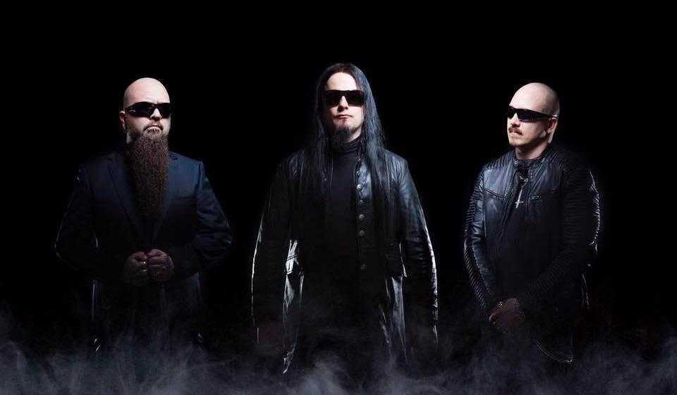 Dimmu Borgir - ?<br /><br />A legutóbbi Dimmu Borgir anyag, az Abrahadabra idén már nyolc éves lesz, így az új anyagnak már épp itt az ideje - vagy talán már szinte késő is. A blackerek február 23-án dobják ki az első kislemezt, az Interdimensional Summitot, az ígéretek szerint pedig még tavasszal kézbevehetjük a black metal Chinese Democracyját.