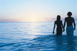 Romantikus naplemente a tengerparton