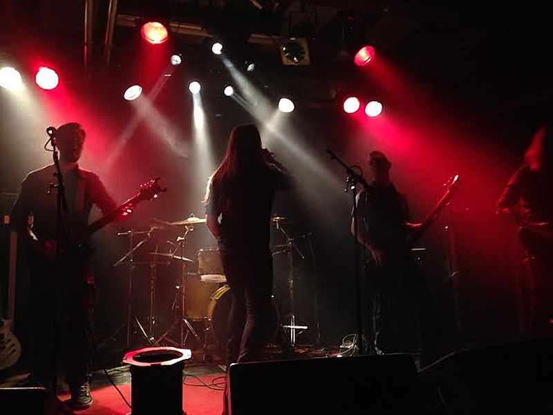apotelesma_band.jpg