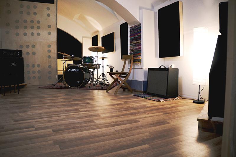 OPOSSZUM – Próbatermek és hangstúdió