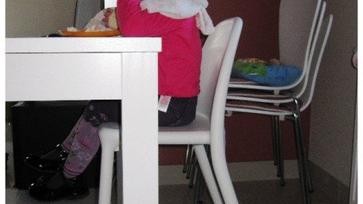 Nagylánynak nagy szék, nagy családnak nagy asztal