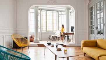 Tökéletes francia sikk és elegancia egy felújított nagypolgári lakásban
