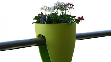 Idei terv: Jöhetnek a virágok az erkélyre!