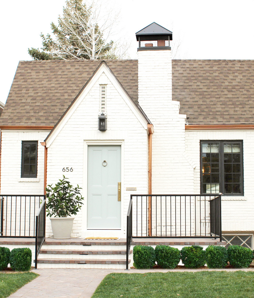 a-1930s-fixer-upper-gets-a-much-needed-makeover-1930s-fixer-upper-studio-mcgee-58f7c3dc05541b203598f936-w1000_h1000.jpg