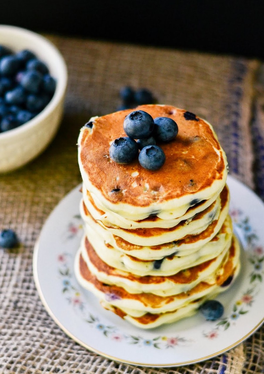 blueberry-pancakes-e1458621367751.jpeg