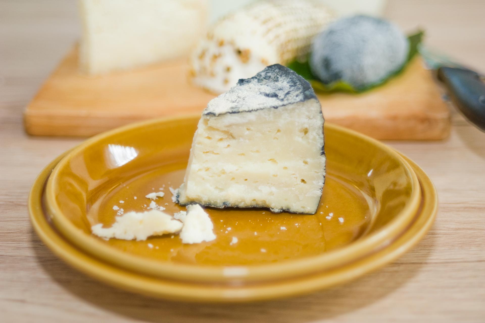 Negro: érlelt sajt fekete viaszos kéreggel