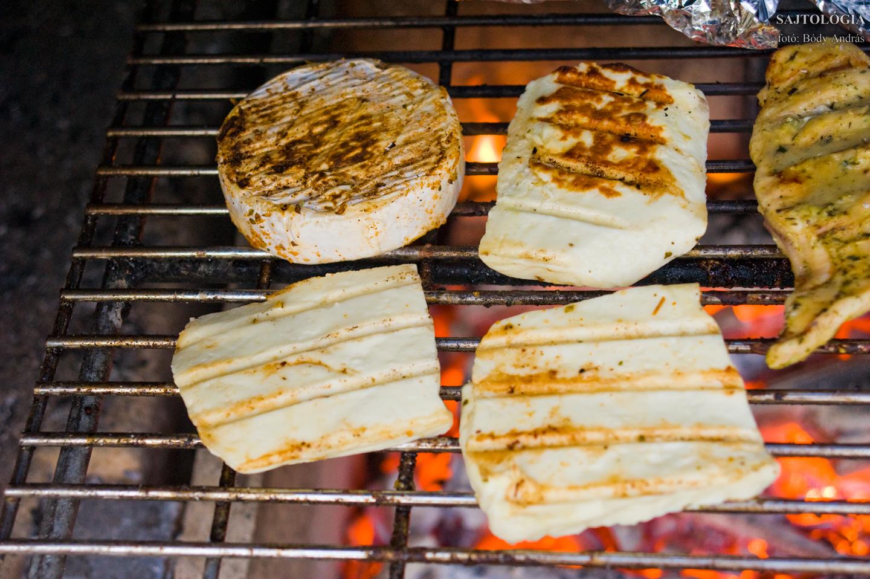 Sütés parázson, rácson: a sajtok nem olvadnak meg.