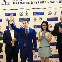 """Hou Yifan and Ernesto Inarkiev in """"Friendship Match"""" - rapid: 2.5 - 1.5  - Blitz: 5-5 - Lejátszható játszmákkal"""