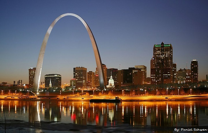st_louis_night_expblend_1.jpg