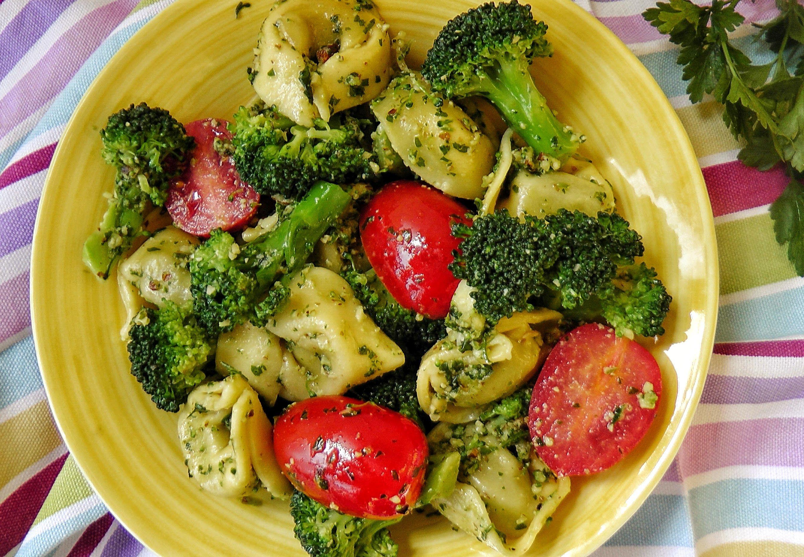 totellini-brokkoli-pesto-salata.jpg