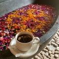 Keleti kényelem: tejben, vajban, virágszirmokban fürdés