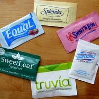Az édesítőszerek segíthetnek a fogyásban és súlyunk megtartásában