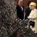 Isten óvja a királynőt és a Vastrónt!