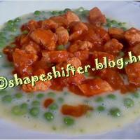 Zöldborsó főzelék csirkepörkölttel - 404 kcal / tányér