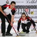 Curling: Debütál a vegyes páros, de a kanadaiak máris dupláznának