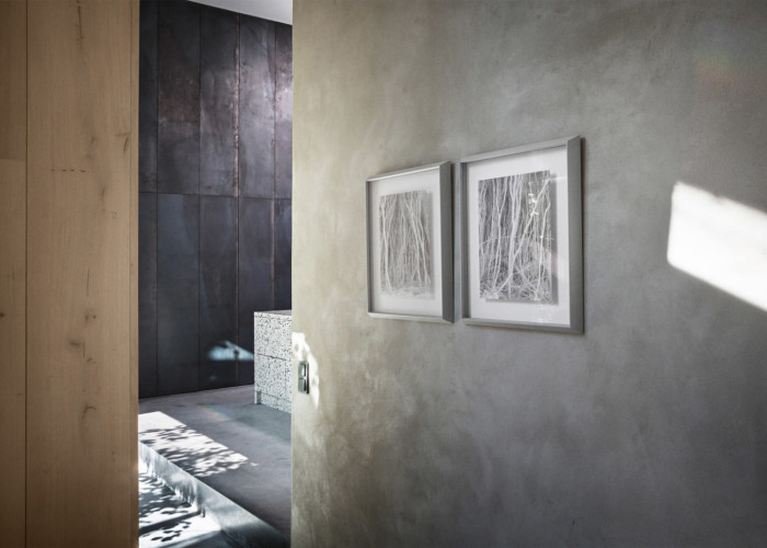 peters-house-studio-david-thulstrup-peter-krasilnikoff-photographer-copenhagen-denmark_dezeen_1568_1-700x500.jpg