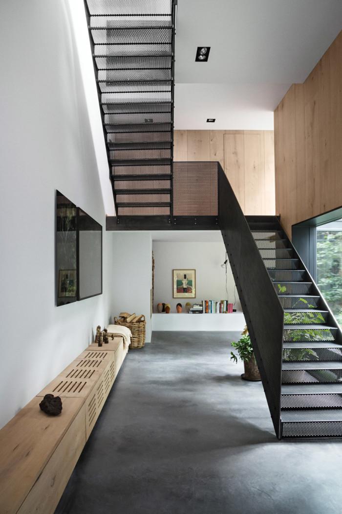 peters-house-studio-david-thulstrup-peter-krasilnikoff-photographer-copenhagen-denmark_dezeen_936_23-700x1050.jpg