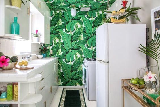 sklinda-greenery-tropusi-tapeta.jpg