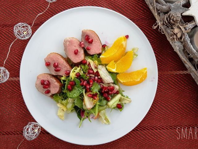 Ünnepi gránátalmás kacsamell saláta Smarta konyhájából