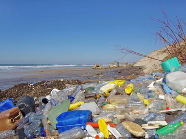 Te is műanyag hulladékban fürdesz nyaraláskor!?