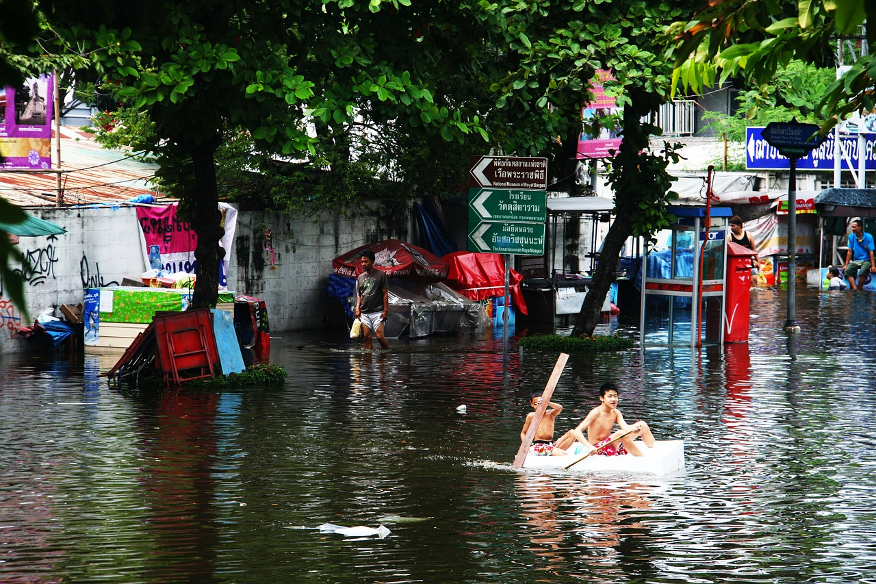 flood-989084_1280.jpg