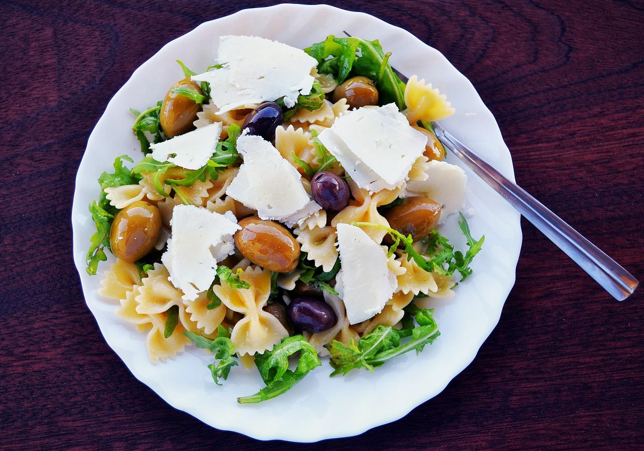 pasta-salad-1967501_1280.jpg