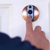 Lakásvédő ajtócsengő, ami minden fontos eseményről értesítést küld