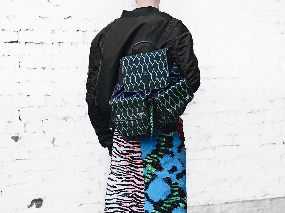 kenzoxhm-outfit-vibrant-playful-pattern-kenzo-hm-outfit-smizedivat-fashionblogger-streetstyle-menswear-collection-_5.JPG