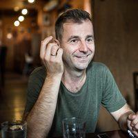 Könyvkritika: Grecsó Krisztián: Harminc év napsütés (2017)
