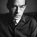Könyvkritika: Erich Maria Remarque: A Diadalív árnyékában (1945)