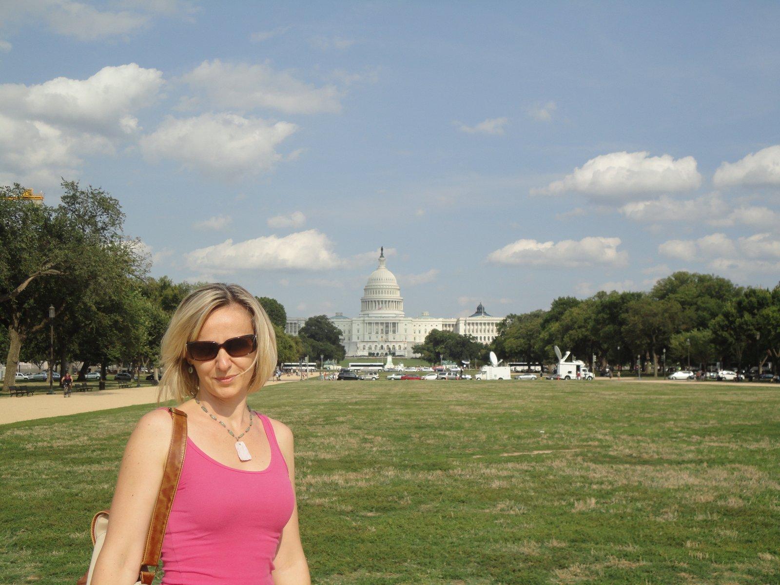Könyvkritika: Trembácz Éva Zsuzsanna: Amerika! Visszaintegetsz? (2014)