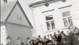 Március 15-i levente felvonulás a Kálvin János utcában.