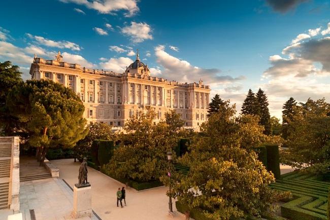 palacio_real_madrid.jpg