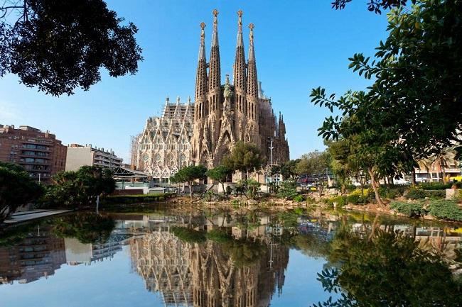 sagrada_familia_barcelona1.jpg