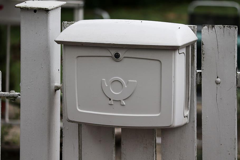 letter-boxes-mailbox-metal-post-horn-garden-fence-letter-delivery.jpg