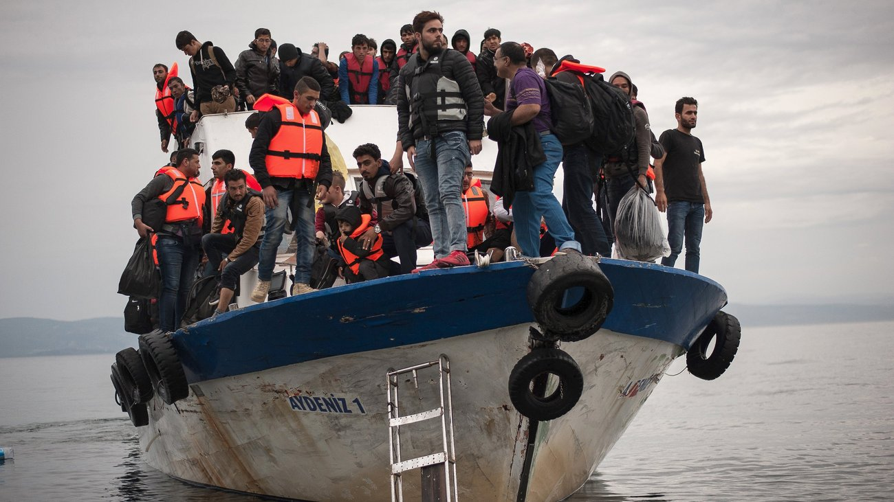 coastguard-rescues-1624-migrants-in-3-days_w_hr.jpg