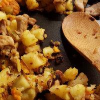 Maradék főtt krumpliból laktató zöldséges-húsos egytálétel [maradékból valami új]