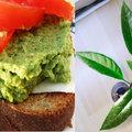 Az univerzális avokádó: húsából reggeli, magjából cuki zöld növény készül. Mutatom, hogyan!