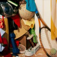 Hogyan csináljunk helyet a ruhásszekrényünkben?